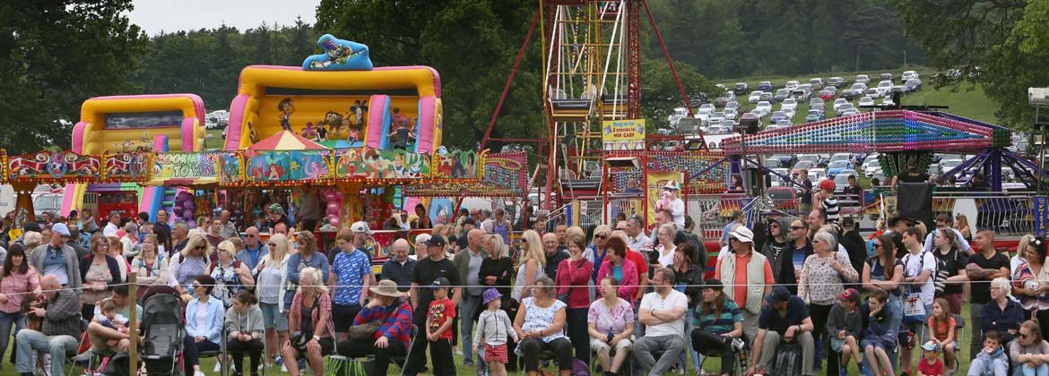 Fairground-and-crowd.jpg